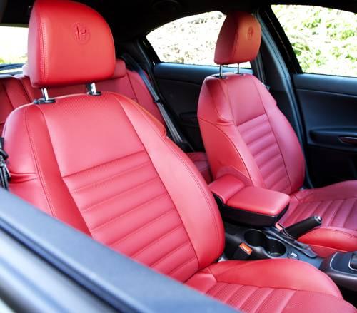 Alfa Romeo Giulietta 1,4 TB 120 Veloce sitze rot