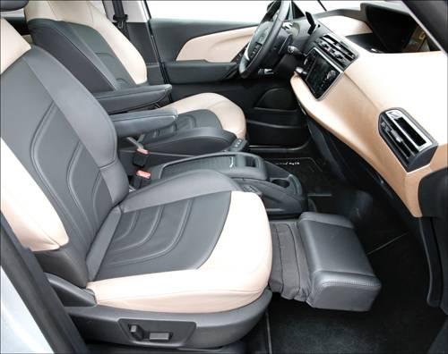 Citroen C4 Picasso e-HDi 115 ETG6 Exclusive silber leder sitze vorne innenraum beinauflage