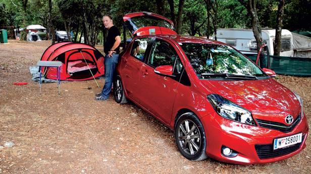 Toyota Yaris 1,33 dual VVT-i Multidrive S Style rot vorne seite
