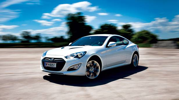 Hyundai Genesis Coupé 3,8 V6 GDI drift