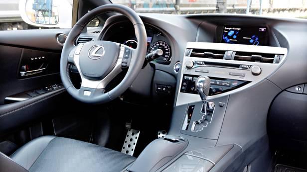 Lexus RX 450h weiß armaturen innenraum cockpit