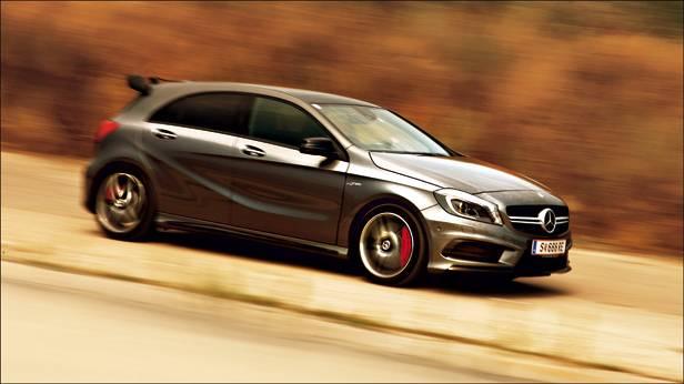 Mercedes-Benz A 45 AMG 4matic vorne fahrend seite front