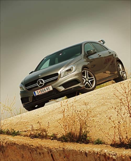 Mercedes-Benz A 45 AMG 4matic vorne front seite schräg