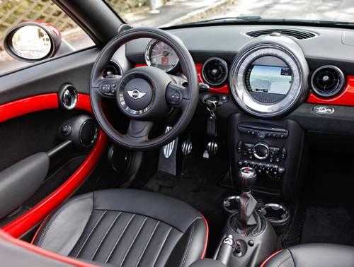 Mini John Cooper Works Roadster innenraum cockpit