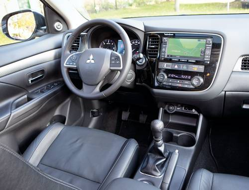 Mitsubishi Outlander 2,2 DI-D Instyle armaturenbrett innenraum