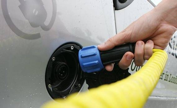 Einer Studie zufolge ist der Vormarsch der E-Fahrzeuge auch ohne milliardenschwere Kaufsubventionen nicht unrealistisch.