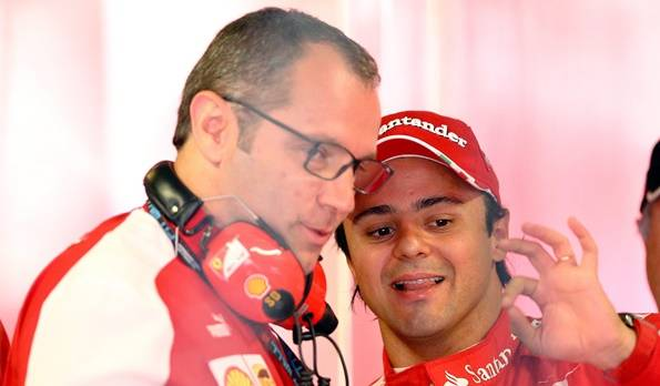 Doch nicht alles paletti bei Massa: Weil er spät auf die Strecke geschickt worden war. überfuhr der Brasilianier ein Rotlicht.