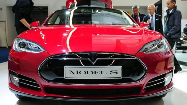 Der Tesla S auf der IAA Frankfurt