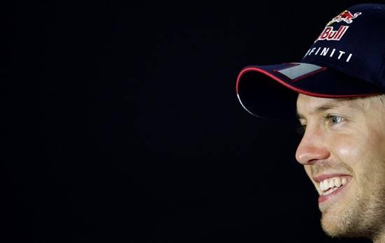 Genug Grund zum nächtlichen Strahlen hatte Vettel nach seinem überlegenen Sieg beim Grand Prix von Singapur.