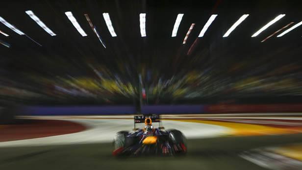 Sebastian Vettel im Rennauto in Singapur
