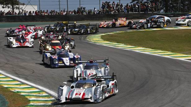 Rennautos beim 6-Stunden-Rennen von Sao Paulo
