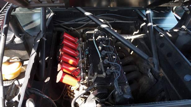 Motorraum des BMW M1