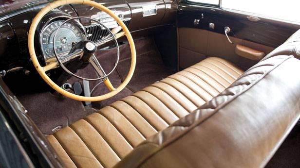Der Innenraum des Cadillac Series 62 Convertible Coupé 1948