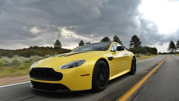 Aston Martin V12 Vantage S, von vorne