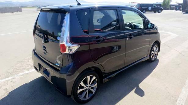 Nissan DayZ Highway Star, von hinten