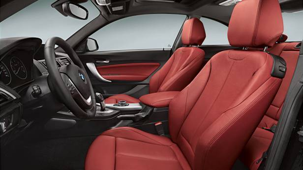 Der Innenraum des BMW 2er Coupes