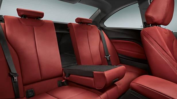 Die Rücksitze des BMW 2er Coupes