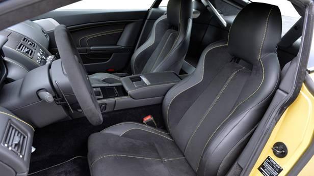 Aston Martin V12 Vantage S, die Sitze