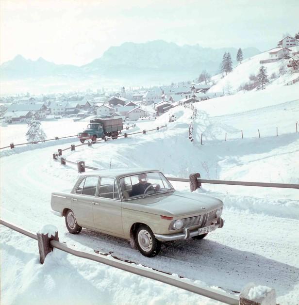 Der BMW 1500 auf Schneefahrbahn