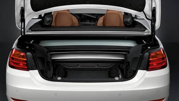 Der Kofferraum des BMW 4er Cabrios