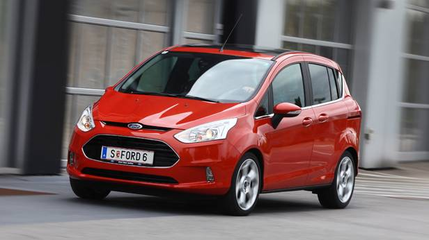 Ford B-Max dynamisch vorne links rot