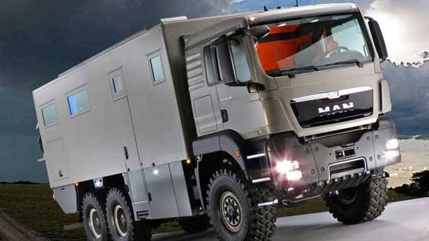 Der Global XRS 7200, außen vorne