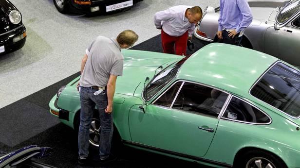 Der Porsche 911 auf der Autotron in Rosmalen, Holland.