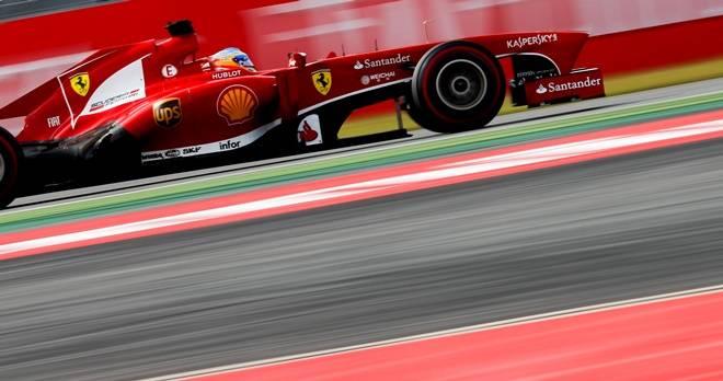 Alonso meint, die Reifen würden nach 5 Kilometern den Geist aufgeben - er sollte Vettel fragen wie er damit umgehe, kontert Pirelli.