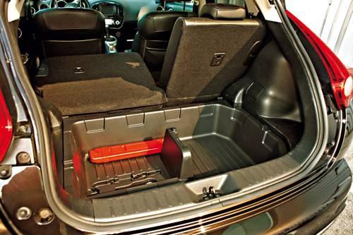 Nissan juke dig-t tekna schwarz kofferraum innenraum