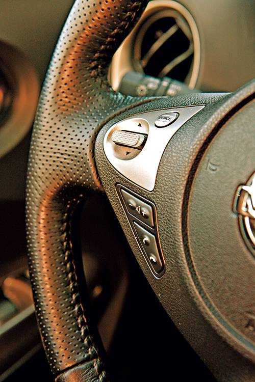 Fahrbericht nissan juke 1 6 dig t tekna im test for Nissan juke dauertest