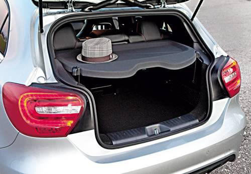 Mercedes Benz A 220 CDI silber kofferaum hutablage
