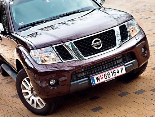 nissan navara double cab v6 rot front vorne