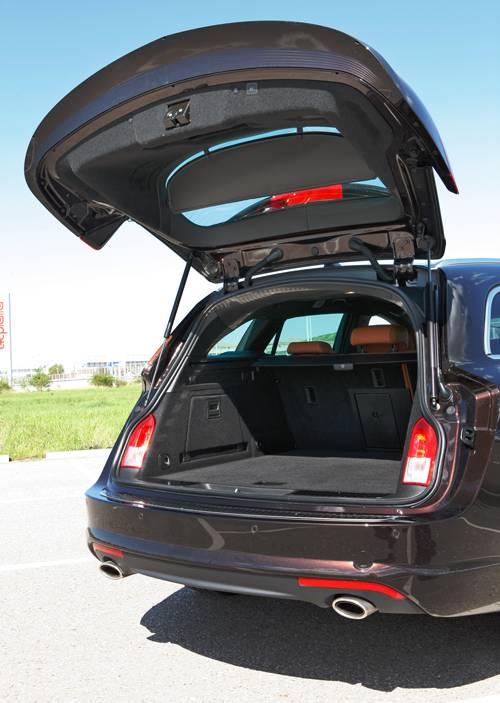 opel insignia sports tourer biturbo kofferraum