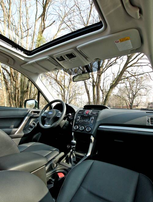 subaru forester diesel d sport innenraum sitze cockpit armaturen glasdach