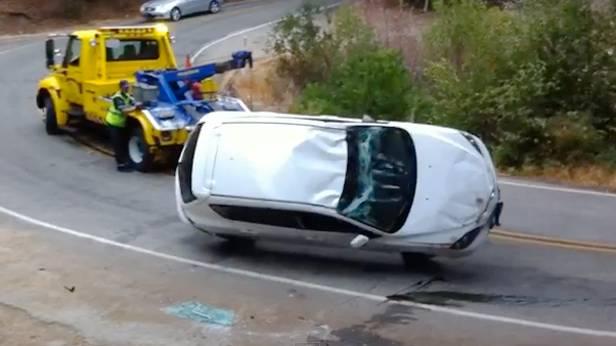 mazda3 abschleppwagen unfall fail