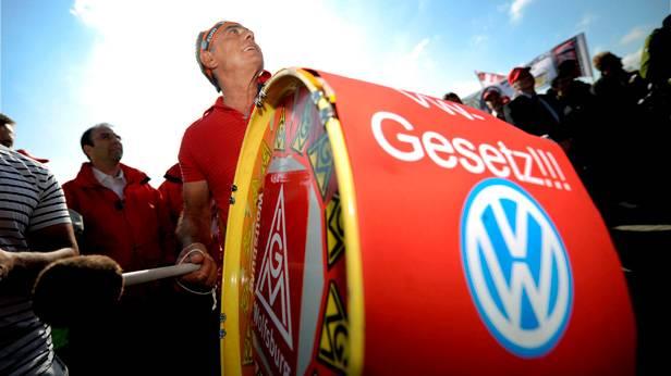 IG Metall Demonstration gegen die Abschaffung des VW-Gesetzes 2008