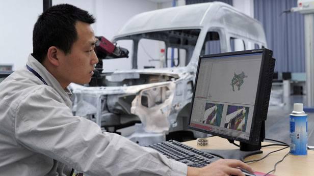 Ein Designer von Dongfeng Motor