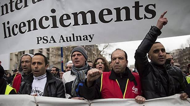 Protestmarsch von PSA Citroen Peugeot Angestellten, wegen der Schließung des Werks in Aulnay