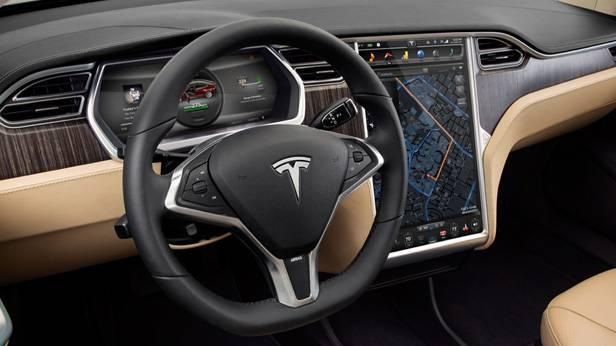 Der Tesla S innen