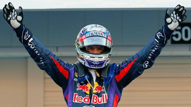 Sebastian Vettel freut sich nach dem Sieg in Japan