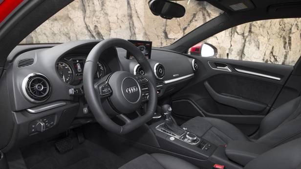 _Audi-A3-e-tron-innen-fahrerseite