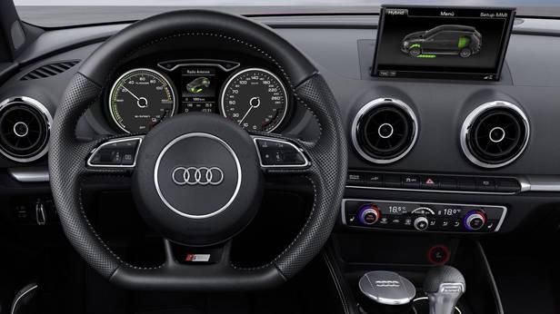 _Audi-A3-e-tron-lenkrad
