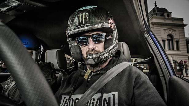 Ken Block mit Helm.