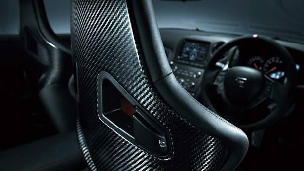 Die Sitze des Nissan GT-R Nismo von hinten