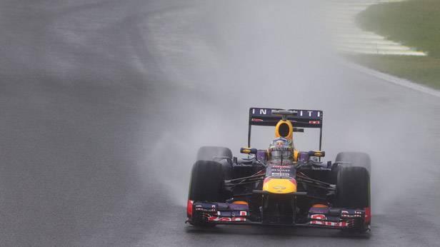 Sebastian Vettel im Rennauto in Sao Paulo