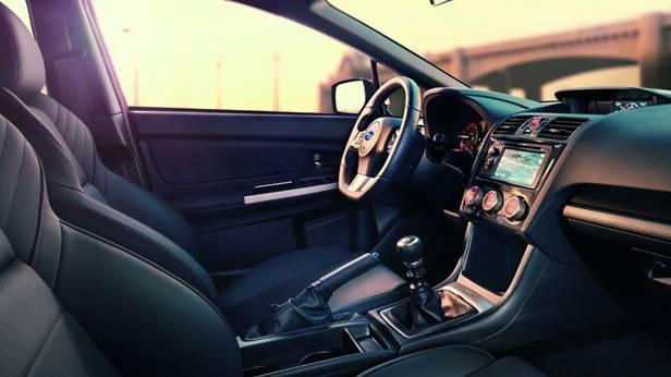 Der Subaru WRX von innen