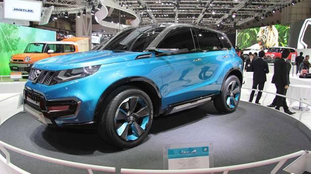 Der Suzuki iV-4 vorne und der Suzuki Hustler im Hintergrund.
