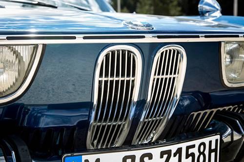 bmw 2000 cs blau niere grill