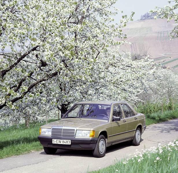 mercedes w201 190e 190 vorne seite front grün