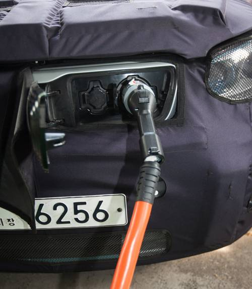 Kia Soul EV anschluss stecker vorne e-auto elektro